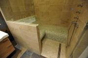 <h5>Dampfbadsitz T95-auslaufend</h5><p>Eine Kombination des Dampfbadsitzes T95 mit einer normalen Bank - SOLEUM produziert diese Kombinationen individuell auf Maß!</p>