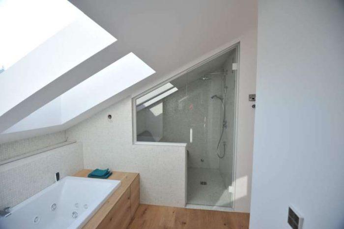 Dampfbad in Dachschräge